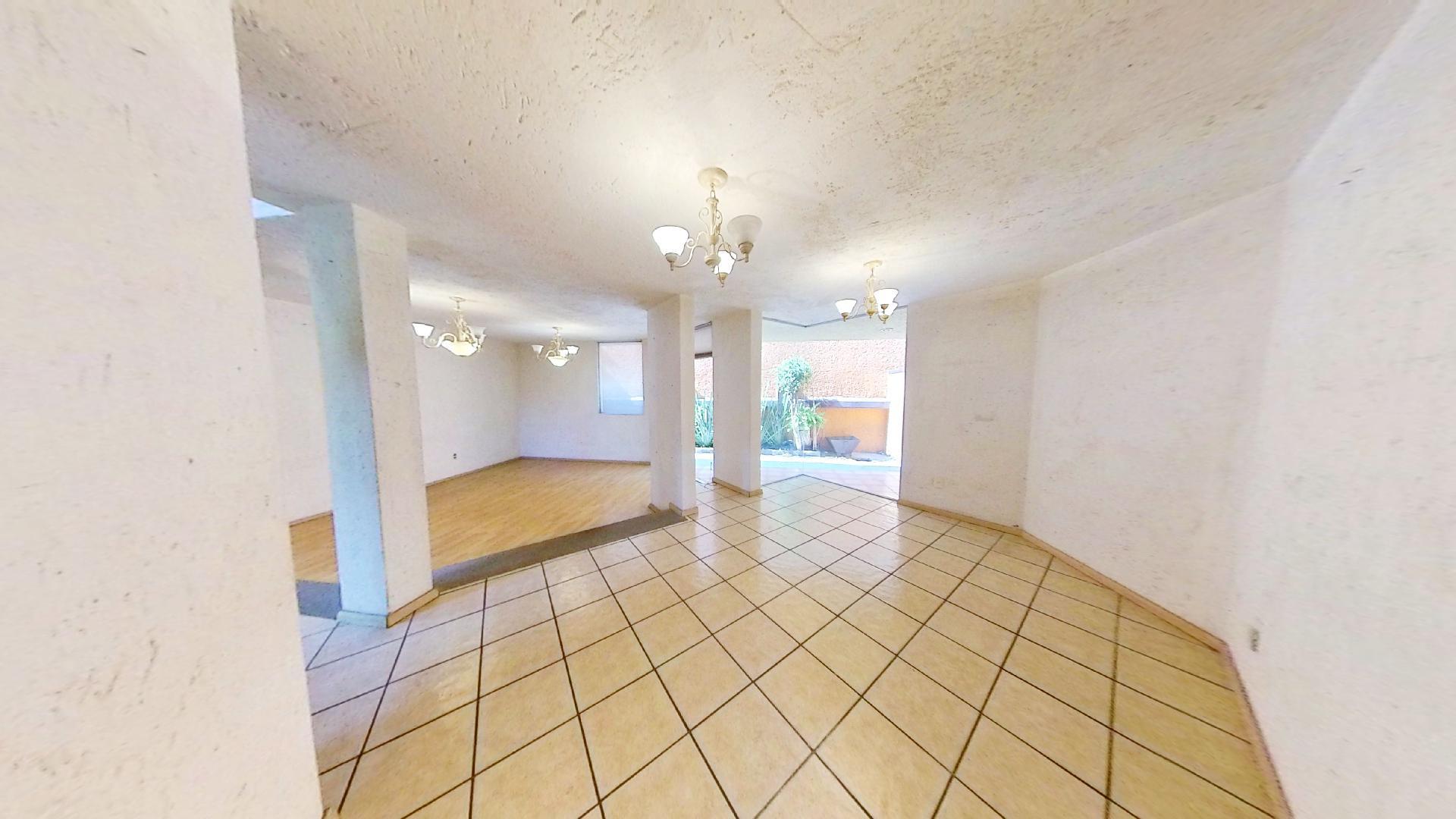 Casa en venta de 3 recámaras en Condominio Los Fresnos, Naucalpan de Juárez, entre Lomas Verdes y Jardines de San Mateo, EDOMEX. Comedor