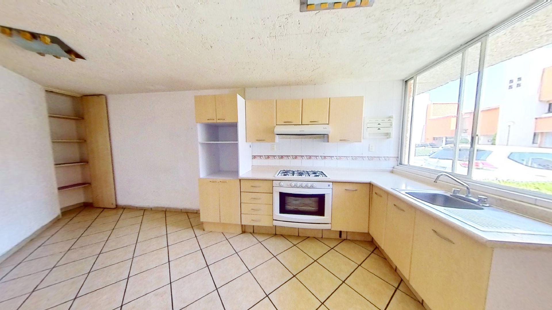 Casa en venta de 3 recámaras en Condominio Los Fresnos, Naucalpan de Juárez, entre Lomas Verdes y Jardines de San Mateo, EDOMEX. Cocina