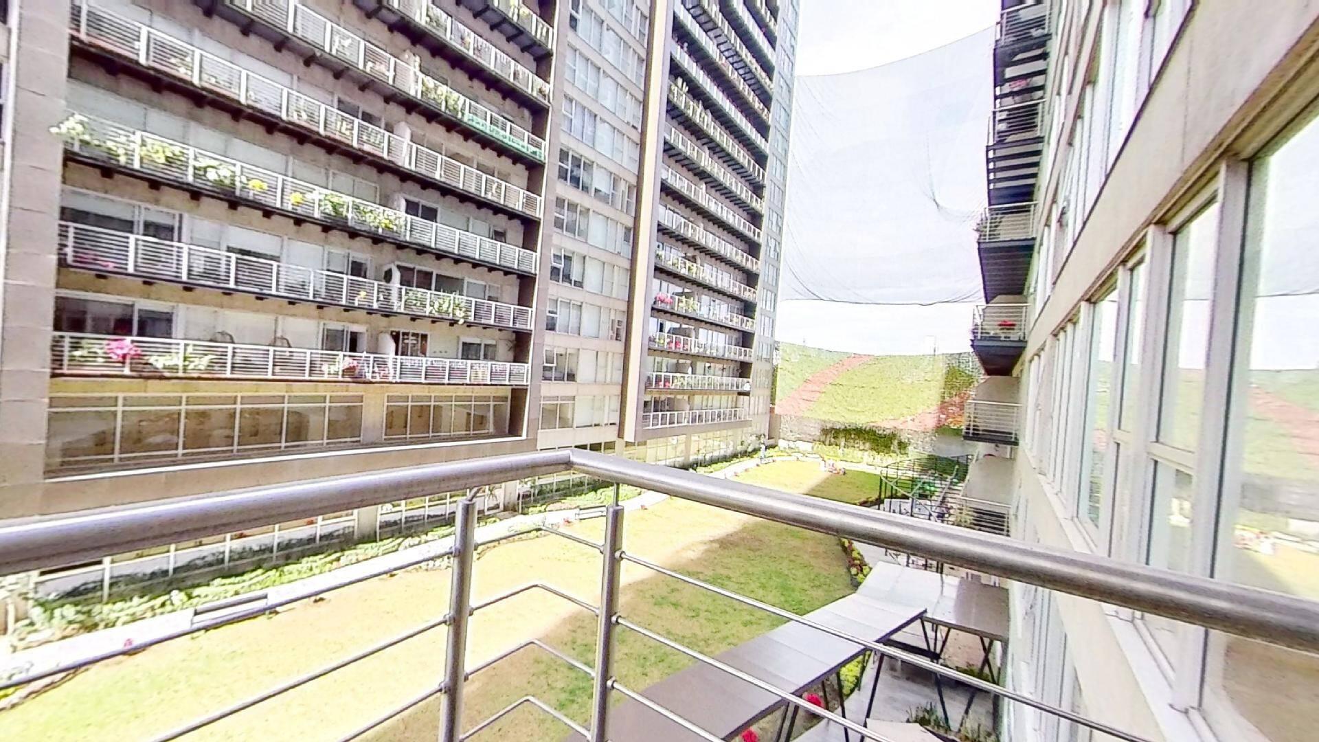Venta departamento de 3 recámaras en City Towers Green, Colonia Santa Cruz. Terraza