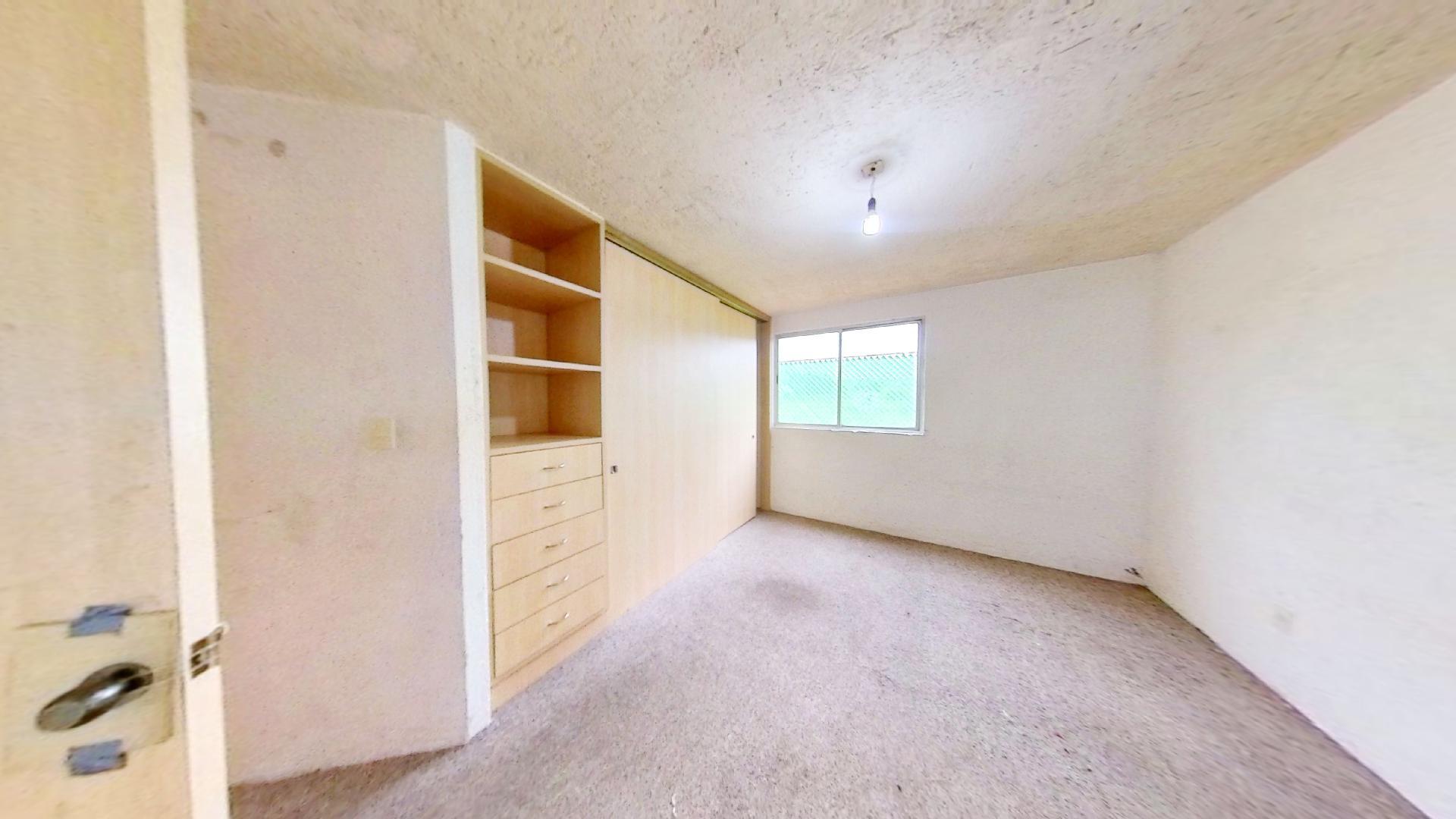 Casa en venta de 3 recámaras en Condominio Los Fresnos, Naucalpan de Juárez, entre Lomas Verdes y Jardines de San Mateo, EDOMEX. Recámara 2