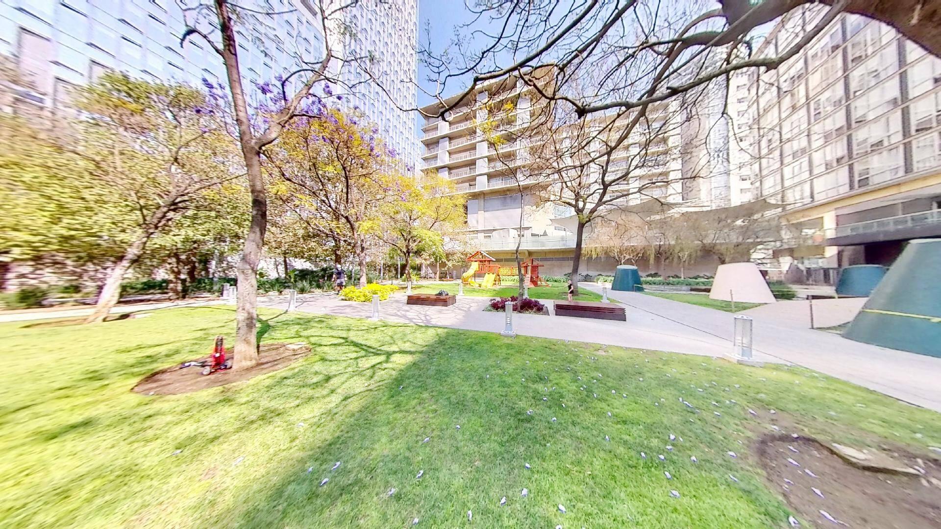 Departamento 2 recámaras en venta en Torre Central de Parques Polanco. Vista Jardín