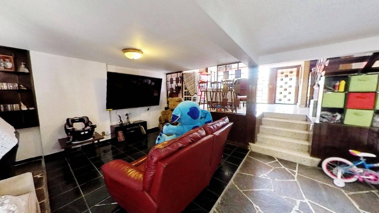 Venta Casa de 4 recámaras y amplios espacios,   en Rio Churubusco y Calzada de la Viga