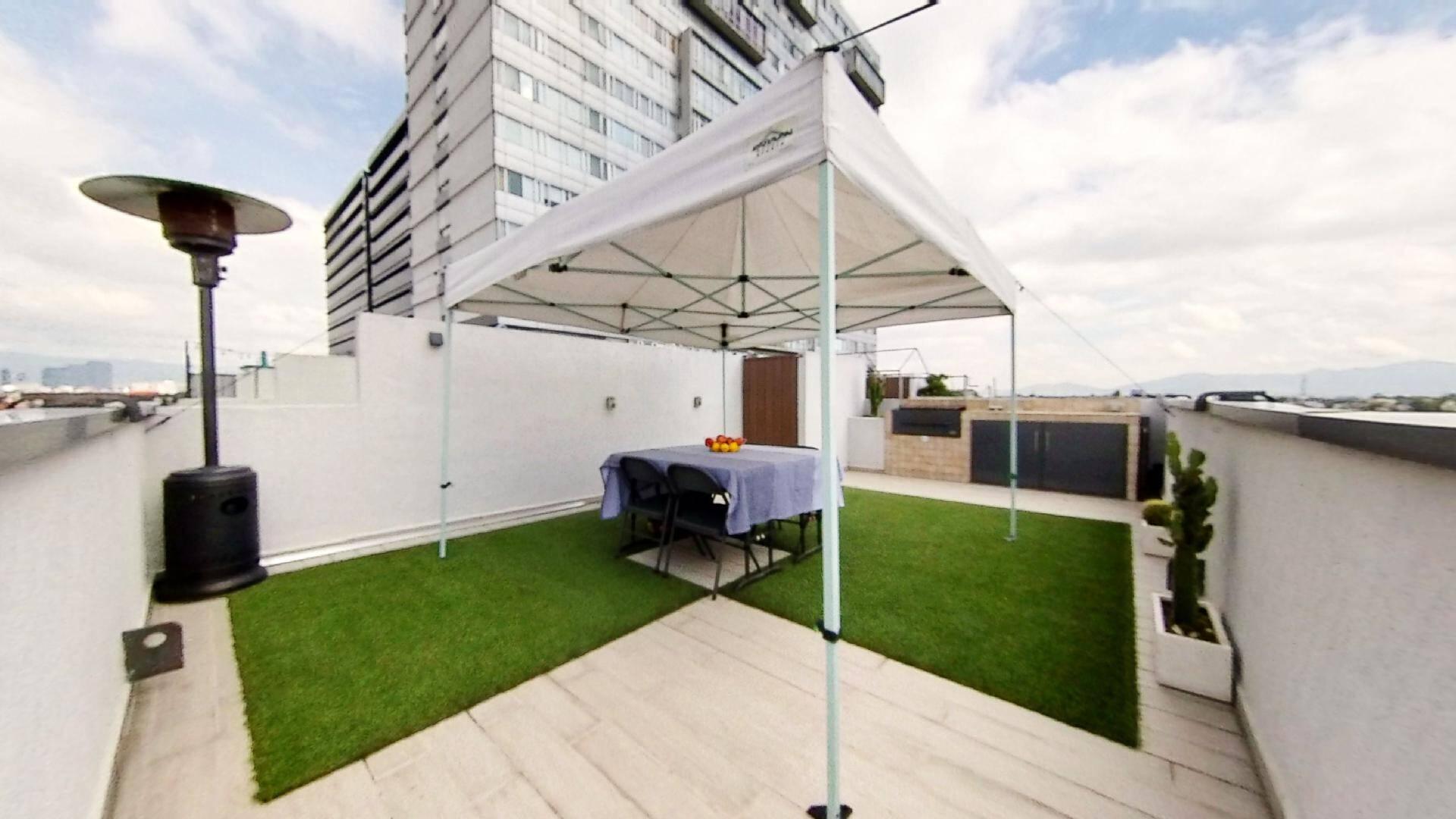 Venta departamento 2 recámaras en Marina Park, con terraza y bodega. Amplia terraza con parrilla argentina y vista abierta a la Ciudad.